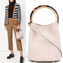 18-19AW M477 PANNIER BUCKET BAG IN CALF LEATHER