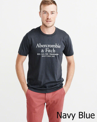 Abercrombie & Fitch Tシャツ・カットソー 即発可!Abercrombieアバクロ ロゴグラフィックTシャツ/Navy(2)