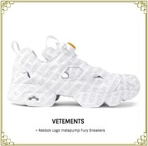 ★期間限定★VETEMENTS +REEBOK Logo Instapump Fury Sneakers