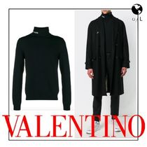 【関税送料込】*VALENTINO* Knit turtleneck with logo intarsia