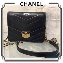 18AW☆CHANEL☆シェブロン カーフ スクエア チェーンウォレット