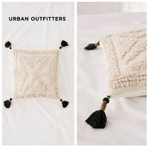 新作☆UrbanOutfitters☆Stella Textured Throw Pillow☆税送込