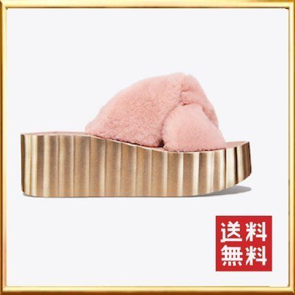 a08ee81c5 Tory Burch サンダル・ミュール ☆送料込☆Tory Burch 〜 SCALLOP FAUX FUR WEDGE ...
