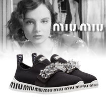 18AW 新作 MIUMIU SLIP-ON SNEAKERS WITH CRYSTALS ブラック