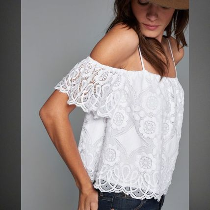 Lace Cold Shoulder Topスイートな女の子らしいTOPSはいかが