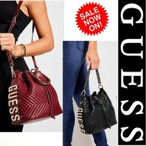 【Guess】New!!お洒落なバッグ ブラック レッド チェーン