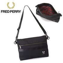FRED PERRY(フレッドペリー) ショルダーバッグ 【新品】FRED PERRY バッグ サコッシュ fred178