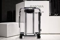入手困難アイテム OFF-WHITE x RIMOWA Transparent Suitcase
