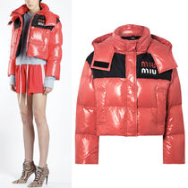 MM546 HOODED DOWN JACKET WITH LOGO PATCH