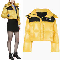 MM586 HOODED DOWN JACKET WITH LOGO PATCH