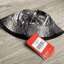 Supreme x North Face Snakeskin Packable Reversible Crusher