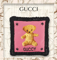 【GUCCI】Embroidered needlepoint cushionテディベアクッション