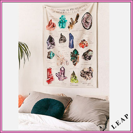 【Urban Outfitters】水彩画イラスト柄のタペストリー・Multi★