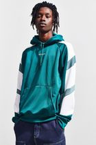 Urban Outfitters 【待望の再入荷!】EQTスエットパーカ 各色