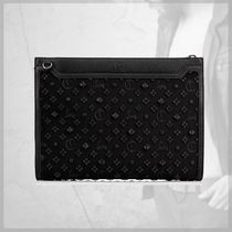 CHRISTIAN LOUBOUTIN★プレゼントに Skypouch