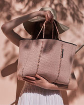 【State of Escape】FLYING SOLO TOTE IN BLUSH