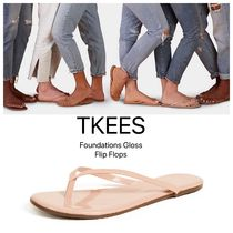 【TKEES】 Foundations Gloss Flip Flops 関税送料込 Nude Beach