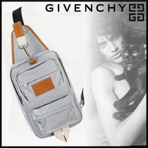 GIVENCHY 18AW新作 リフレクティブ マルチポケット ボディバッグ