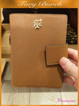 Tory Burchパスポート入れEMERSON SNAP PASSPORT HOLDER