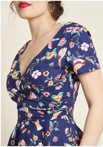 collectif go for flawless cotton midi dress in birds
