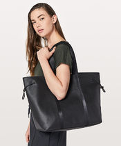 LULULEMON◆Day Out Tote 16L◆Black