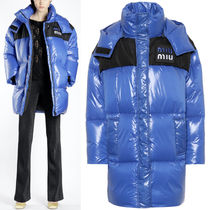 MM589 HOODED DOWN JACKET WITH LOGO PATCH