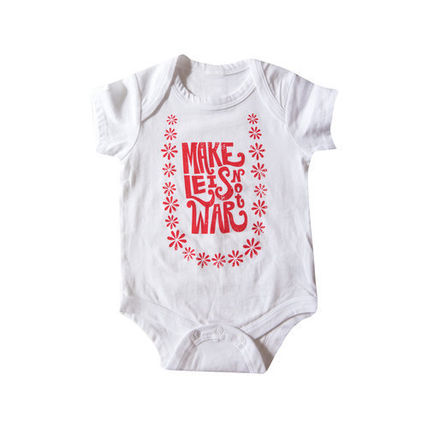 Lucky We Live Hawaii ベビーロンパース・カバーオール 日本初☆Lucky We Live Hawaii☆ Make Leis Not War Onesie  2色(2)