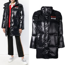 MM601 HOODED DOWN JACKET WITH LOGO PATCH