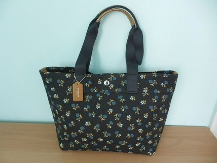 Coach(コーチ) FLORAL PRINT CANVASトート