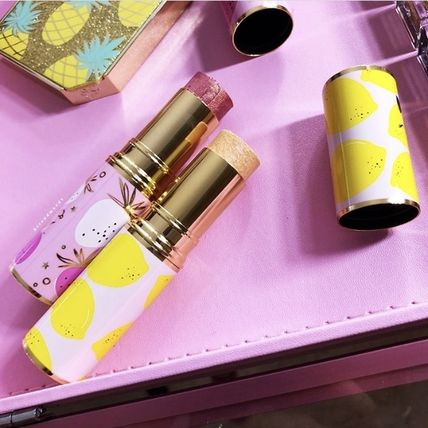 Too Faced フェイスパウダー 限定☆Too Faced☆Frosted Fruits☆ハイライタースティック(4)