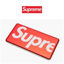 入手困難!Supreme Mophie Powerstation Plus Mini チャージャー