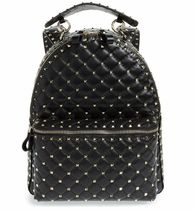 日本未入荷 Rockstud Spike Quilted Lambskin Leather Backpack