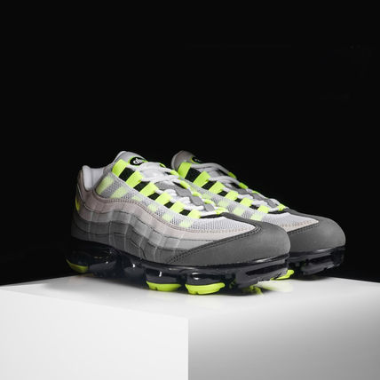 Nike スニーカー ◆日本未入荷◆NIKE◆AIR VAPORMAX 95◆NEON YELLOW GRADATION(4)