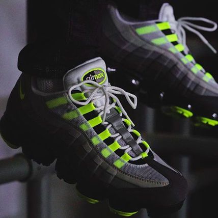 Nike スニーカー ◆日本未入荷◆NIKE◆AIR VAPORMAX 95◆NEON YELLOW GRADATION(5)