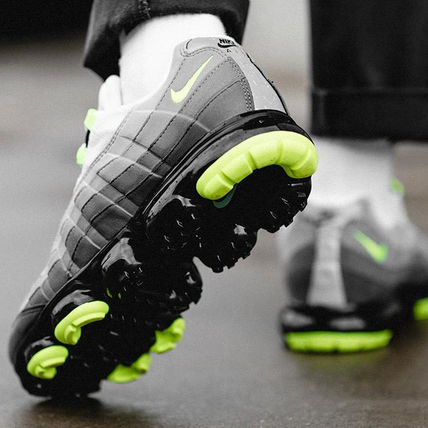 Nike スニーカー ◆日本未入荷◆NIKE◆AIR VAPORMAX 95◆NEON YELLOW GRADATION(6)