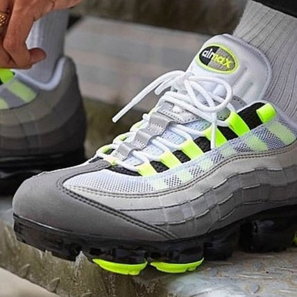 Nike スニーカー ◆日本未入荷◆NIKE◆AIR VAPORMAX 95◆NEON YELLOW GRADATION(7)