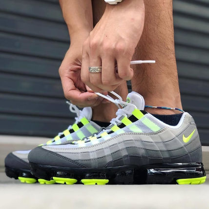 Nike スニーカー ◆日本未入荷◆NIKE◆AIR VAPORMAX 95◆NEON YELLOW GRADATION(8)