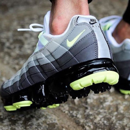 Nike スニーカー ◆日本未入荷◆NIKE◆AIR VAPORMAX 95◆NEON YELLOW GRADATION(10)
