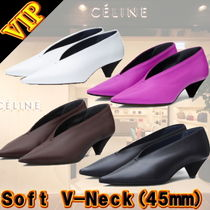 ◆◆VIP◆◆ CELINE  Soft V-Neck Pumps / 送税込