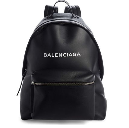 完売間近 BALENCIAGA Everyday Calfskin Backpack