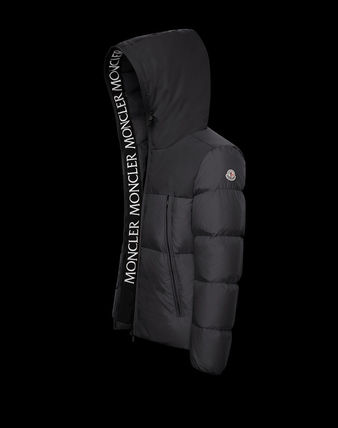 New Model MONCLER  MONTCLAR