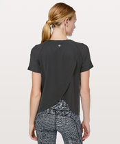 新作 lululemon ★ Quick Pace Short Sleeve UVカット Tシャツ