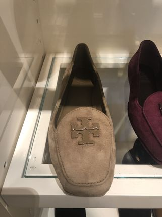 1be96e4007a93b BUYMA|日本未発売! Tory Burch  FITZ LOAFER スエード ローファー ...