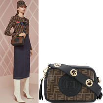 FE2227 FF LOGO FABRIC FENDI CAM BAG