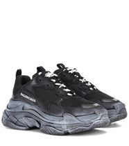 ●BALENCIAGA●Triple S low top Trainers ブラック