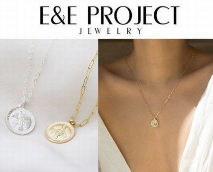 日本未発売【E and E Project】Round Virgin Maryネックレス