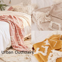 【Urban Outfitters】人気*3色★幾何学柄*タッセル*ブランケット