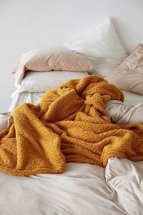Urban Outfitters ブランケット SALE!!【Urban Outfitters】6色*ふわふわ*/フリースブランケット(8)