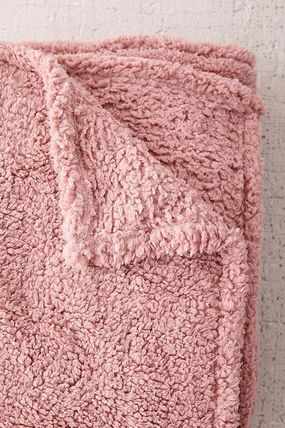 Urban Outfitters ブランケット SALE!!【Urban Outfitters】6色*ふわふわ*/フリースブランケット(13)