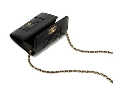 CHANEL ショルダーバッグ・ポシェット ☆新作登場☆Classic Clutch With Chain(3)